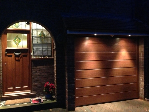 Woodgrain insulated Sectional Garage Door