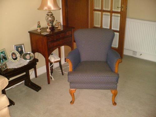 Featherdown upholstering in edinburgh for 18 dean terrace edinburgh