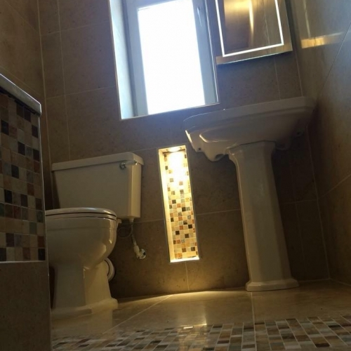 Fully fitted bathrooms. Tiled walls floor and bathpanel with recess pigeon hole storage