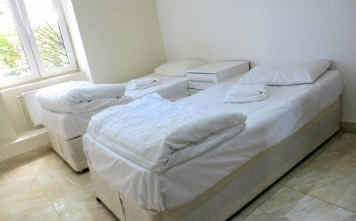 Twin room at Abercorn House London