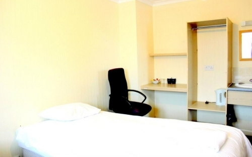 Single room at Heathrow Lodge