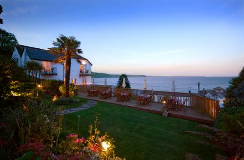 Fieldhead hotel horizons restaurant hotels in looe - Hotels in looe cornwall with swimming pool ...