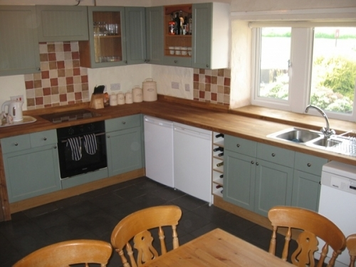 Yorkshire Dales Cottage Kitchen - plenty of space for eight or more