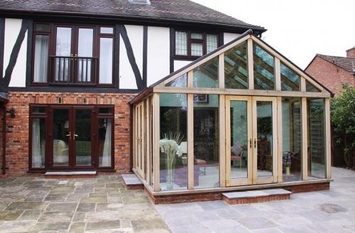 Contemporary Range Oak Conservatory in Surrey
