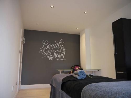 Monumental Beauty Room