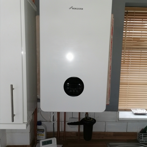 Newly install Worcester 8000 style boiler