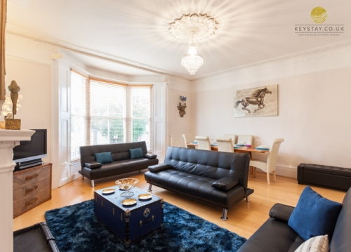 Brighton Holiday Apartment with garden & parking