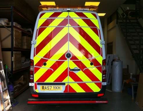 Chapter 8 Chevron markings for highway maintenance vehicles