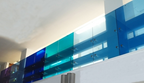 Frameless Glass Balustrade In Coloured Glass
