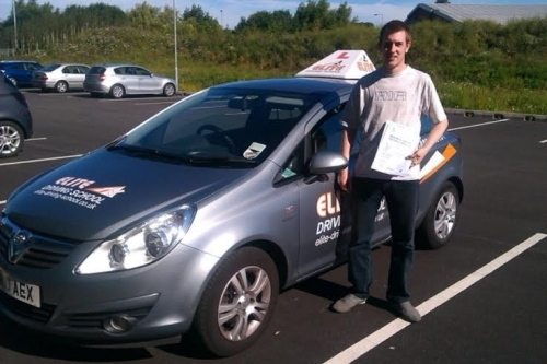 Driving Lessons Hull Liam Parker - I have just passed my driving test the 1st time of trying with only 1 minor fault. I have to thank my Instructor Pete of Elite and would recommend Pete to anybody that wants to pass their test as he built my confidence u