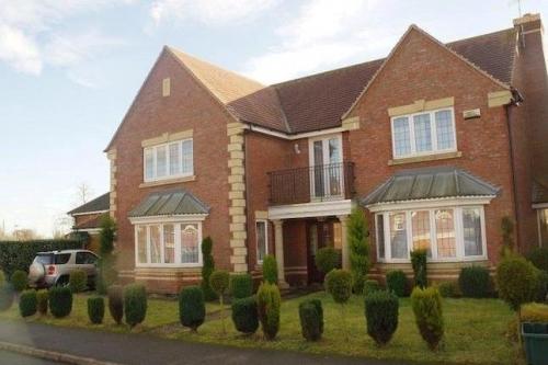 Fantastic Detached Property In Oadby